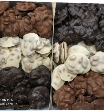 kayısı çekirdekli çikolata